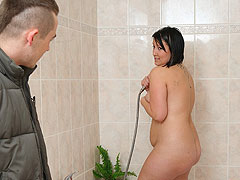 She brings home a new man and the sexy plumper seduces him with a wet shower
