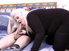 Guy jacks off to BBW porn and ends up seduced by a blonde BBW slut