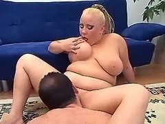 Man licks out pussy of fat chick